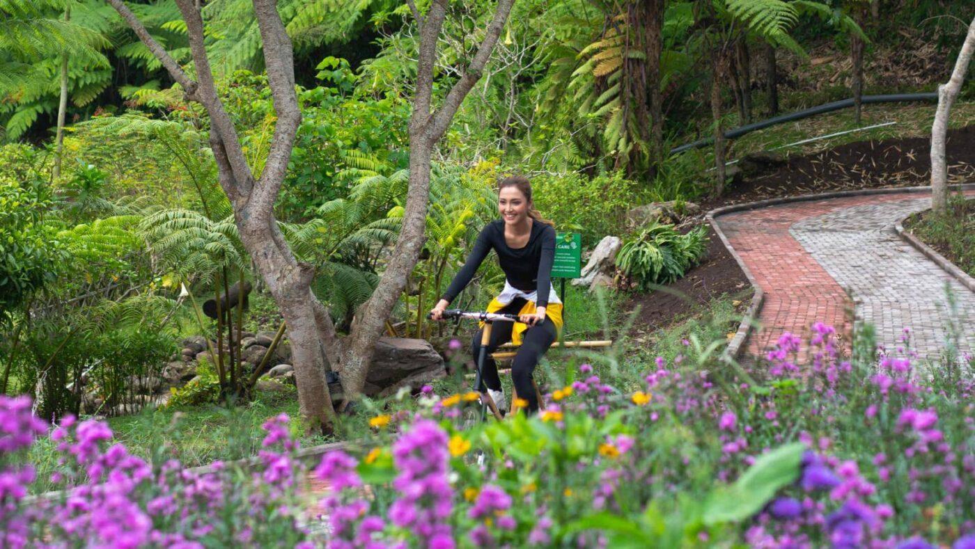 Bersepeda di Dusun Bambu Bandung