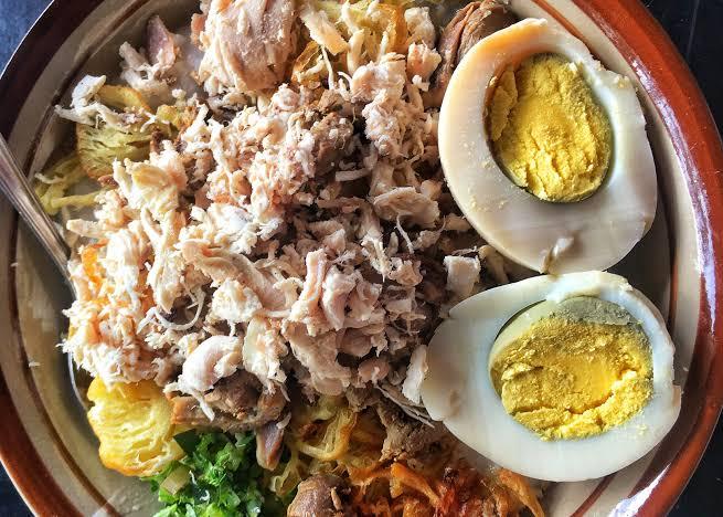Cari Menu Sarapan? 5 Rekomendasi Bubur Ayam Bandung yang Lezat