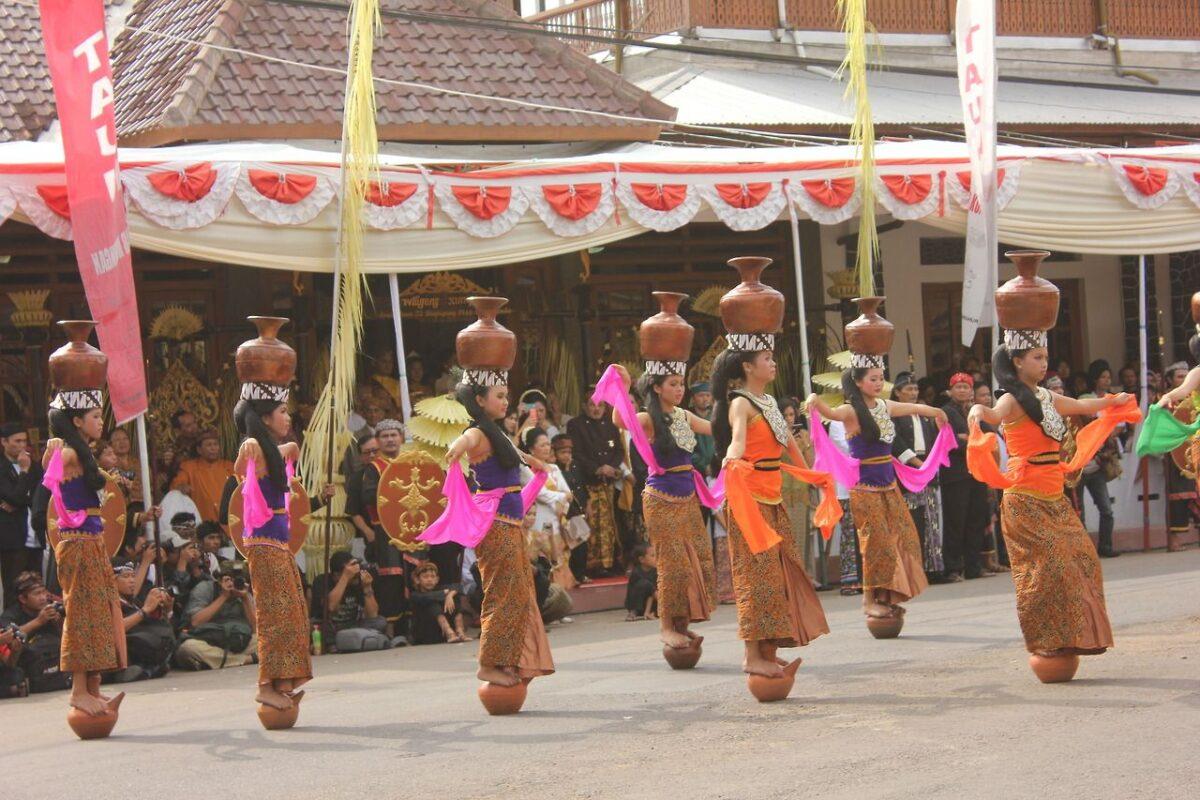 tarian asal Bandung